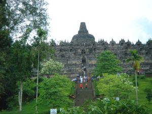 【バリ・ジャワ】世界最大の仏教遺跡 ボロブドゥール